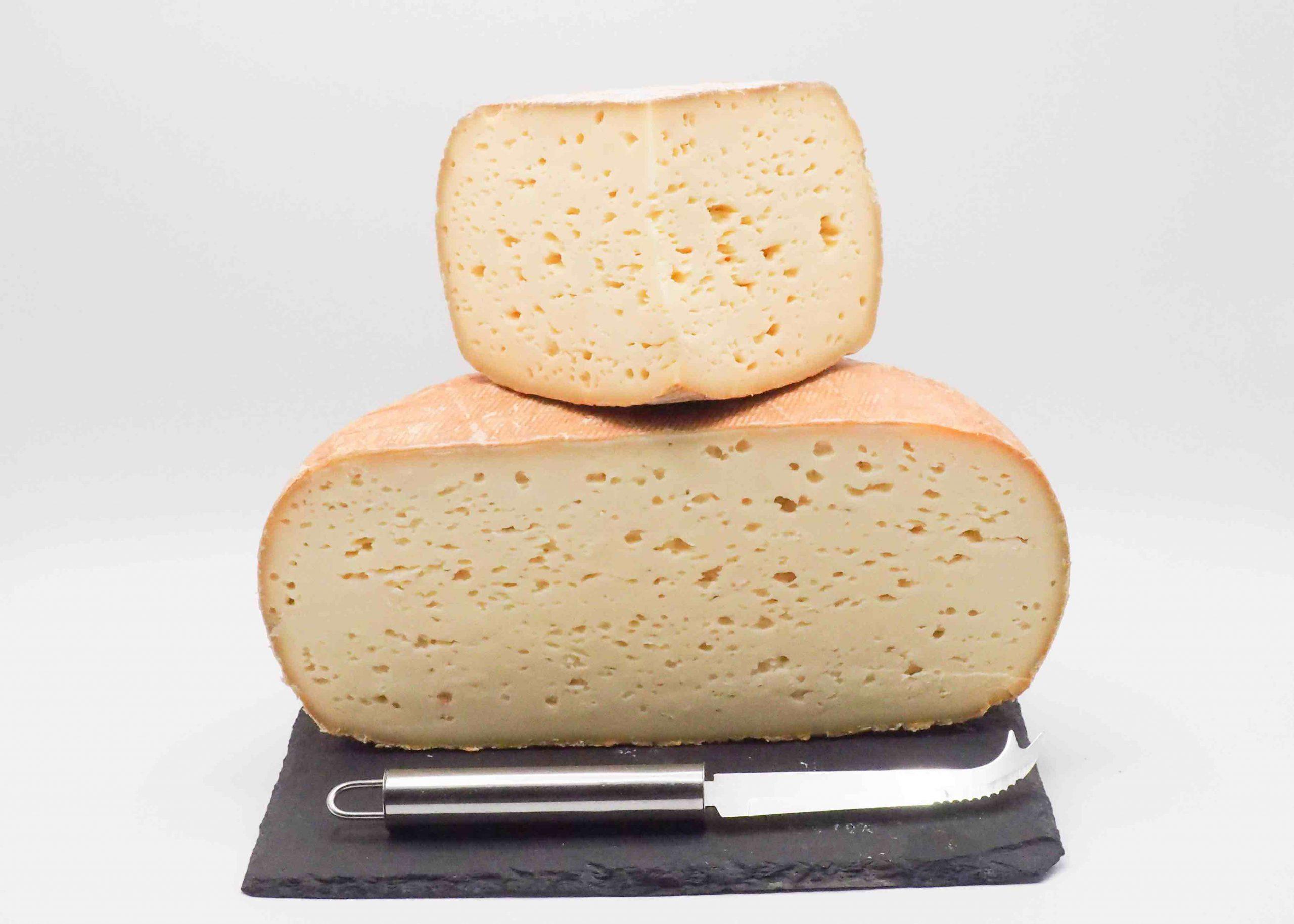 Achetez en ligne du fromage chez Fromage Napoléon. Vente en ligne. Fromage des Pyrénées le Bethmale