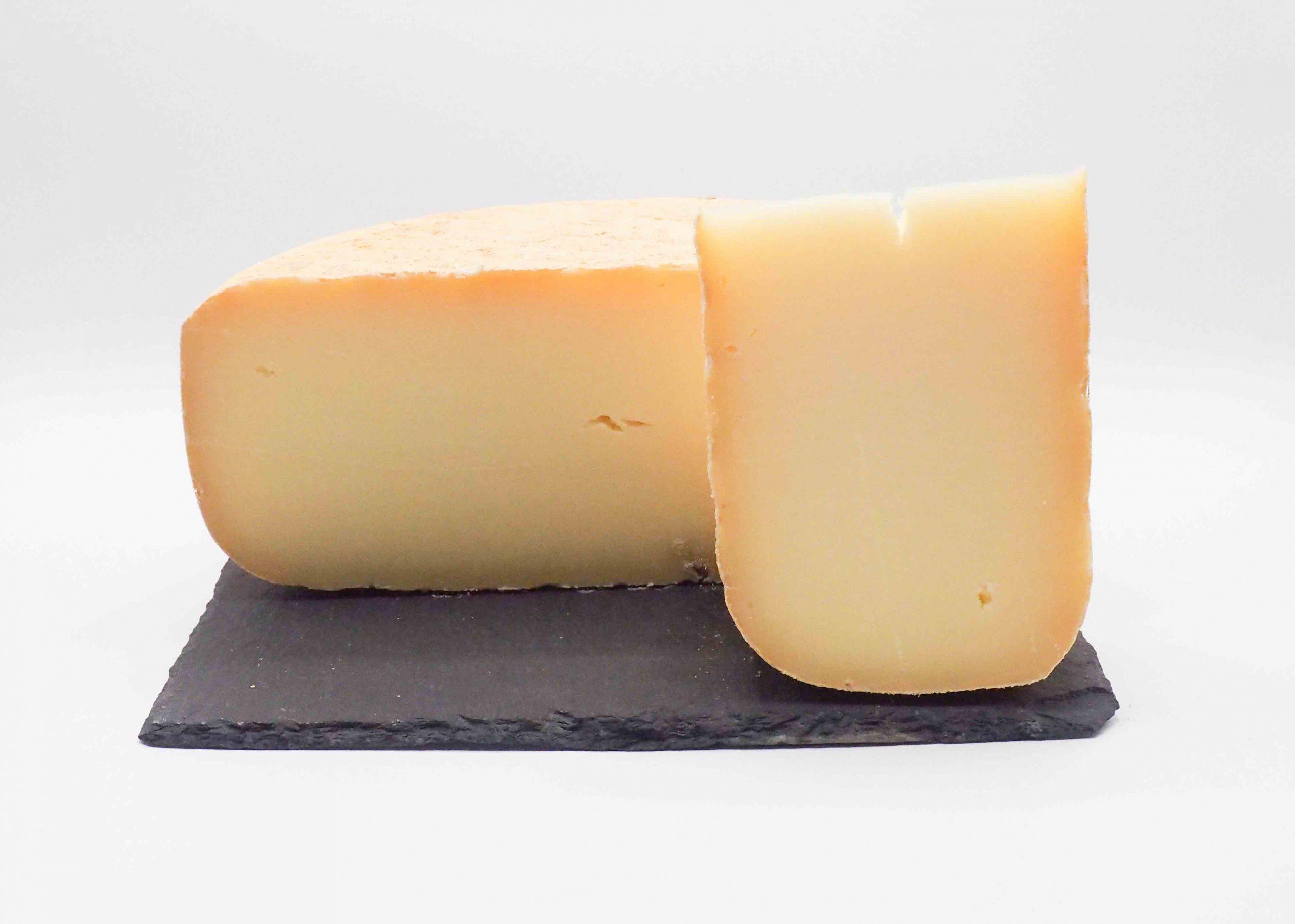Vente de fromage biologique des Pyrénées. Le Napoléon Bio par Dominique Bouchait