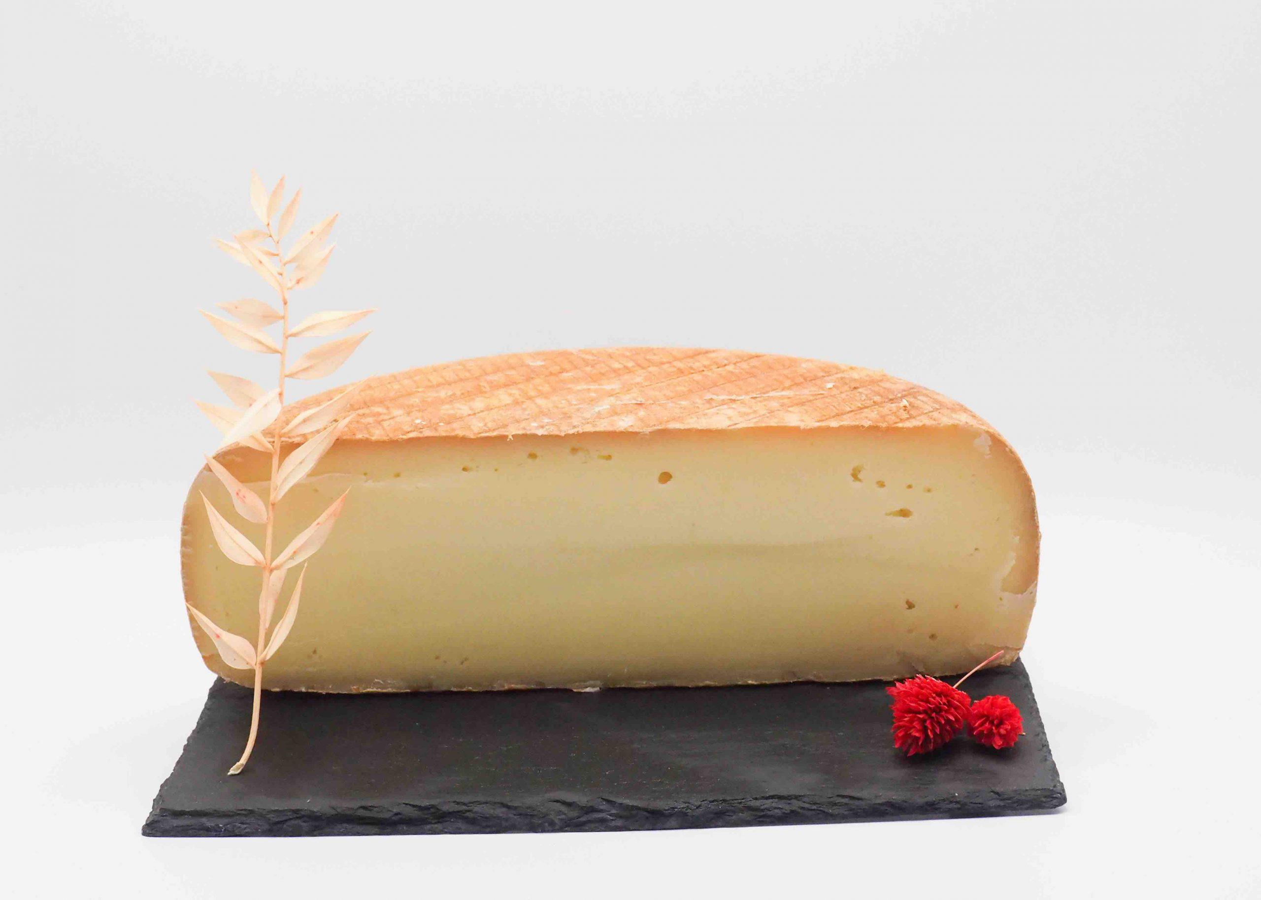 Le Cornu par Dominique Bouchait MOF vente de fromage des Pyrénées achat en ligne