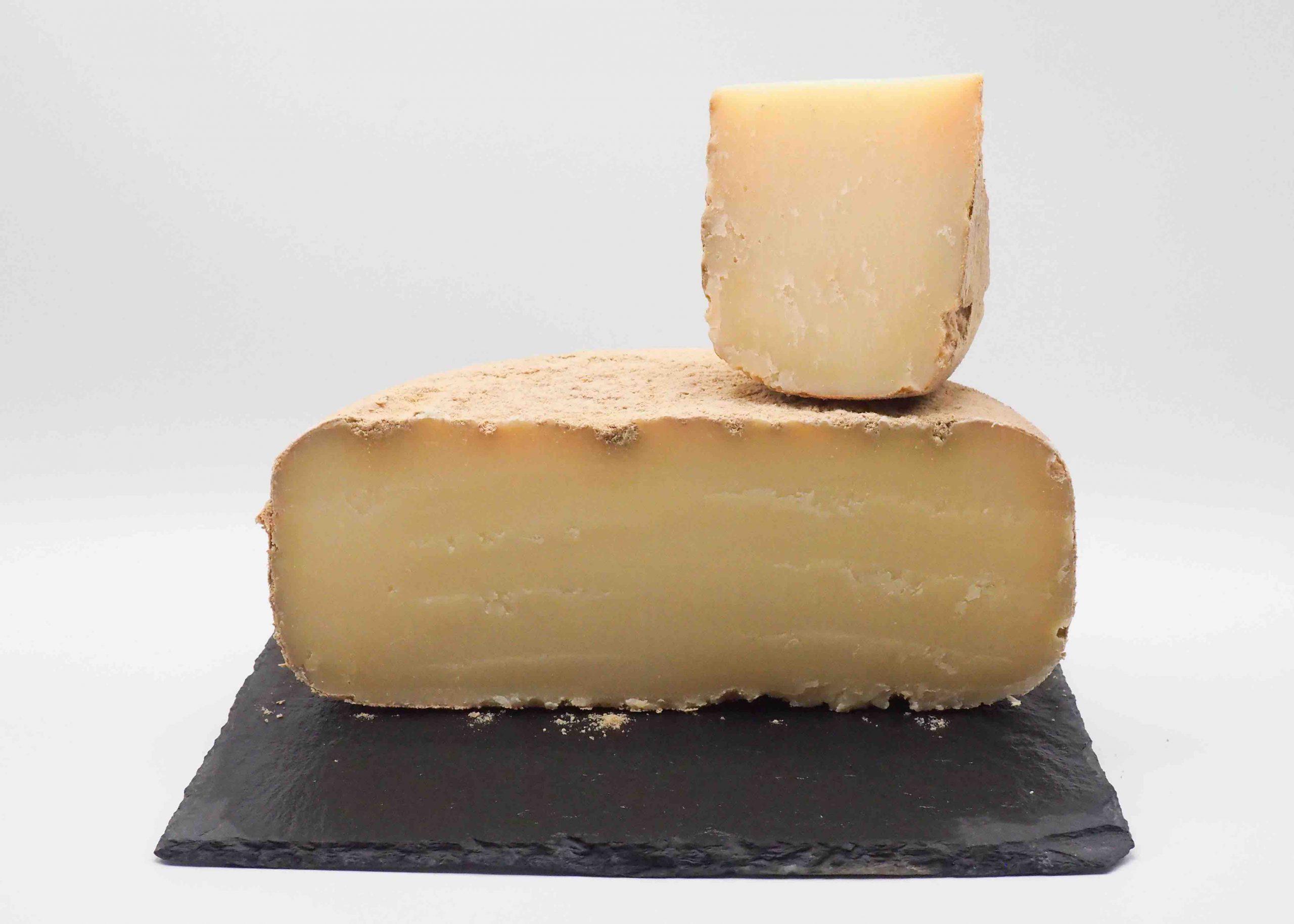 le vieux Napoléon est un fromage typique des Pyrénées alliant finesse et richesse au palais. Vente en ligne